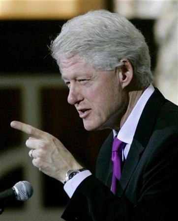 bill-clinton-points-finger-2.jpg